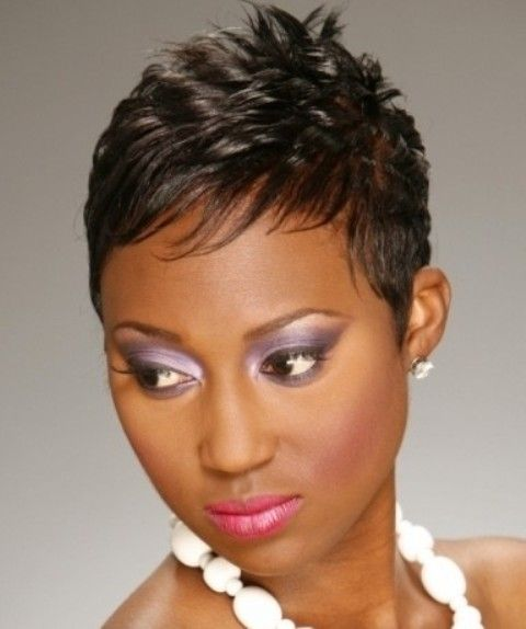 Short Hairstyles For Round Faces Short Hair Styles For Round