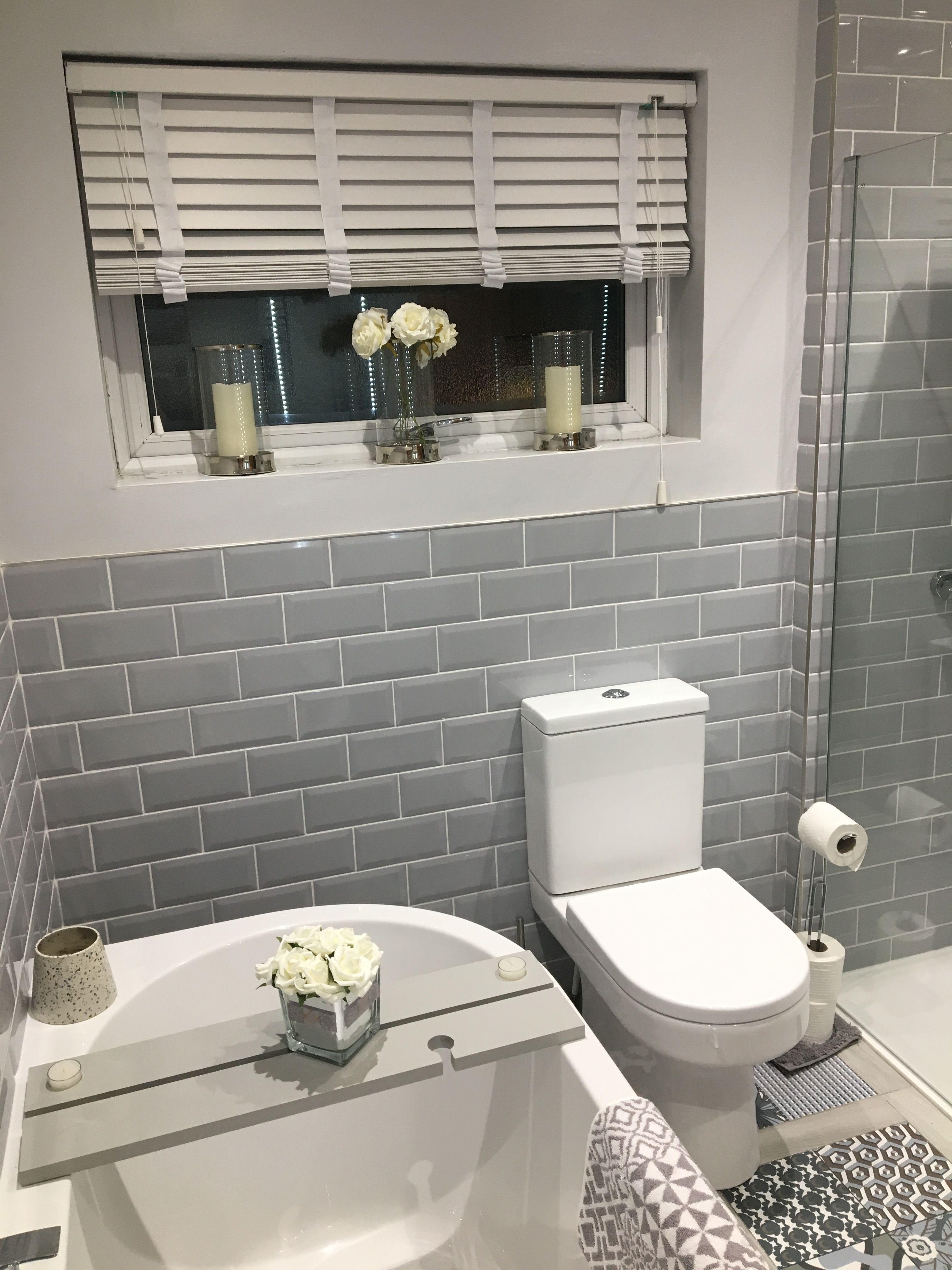 grey brick tiles bathroom  gäste wc
