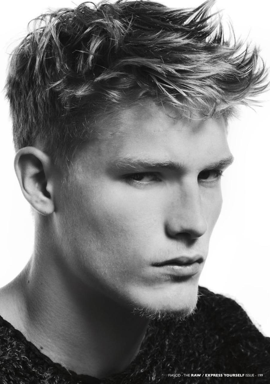 Pin By Simone Sampaio On Hair Wavy Hair Men Mens Hairstyles Professional Haircut