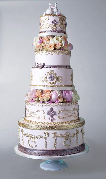 Traumhafte #Hochzeitstorte Schöne Kuchen, Schöne Torten, Backen,  Brautkleid, Traumhochzeit, Einzigartige