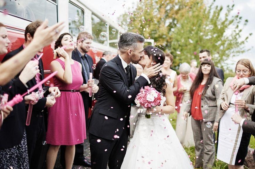 Als Hochzeitsfotograf In Dresden Im Rollenden Standesamt Hochzeit Hochzeitsfotograf Standesamt