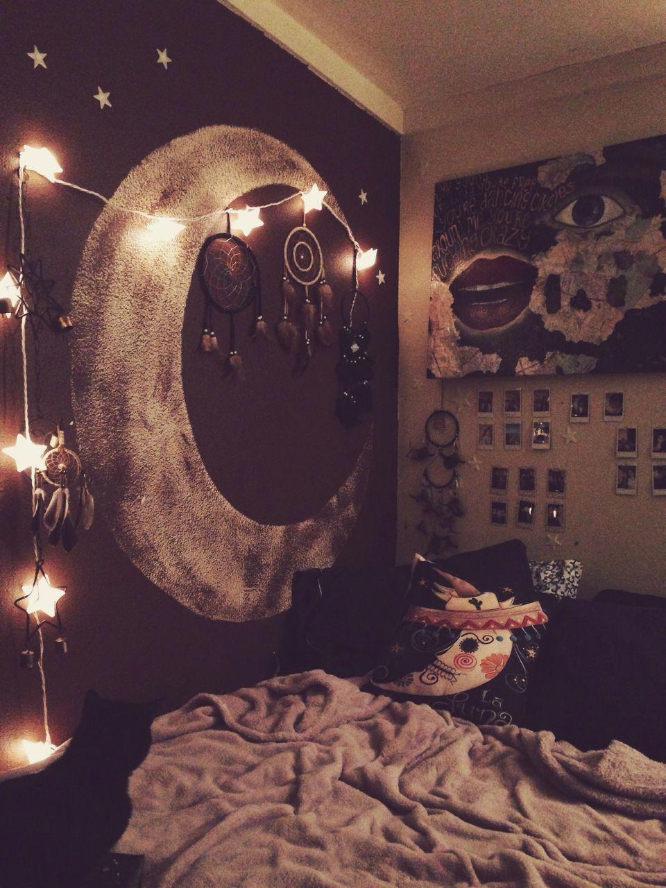 Moon on the wall ue bedroom decor for teen girls diy photo walls