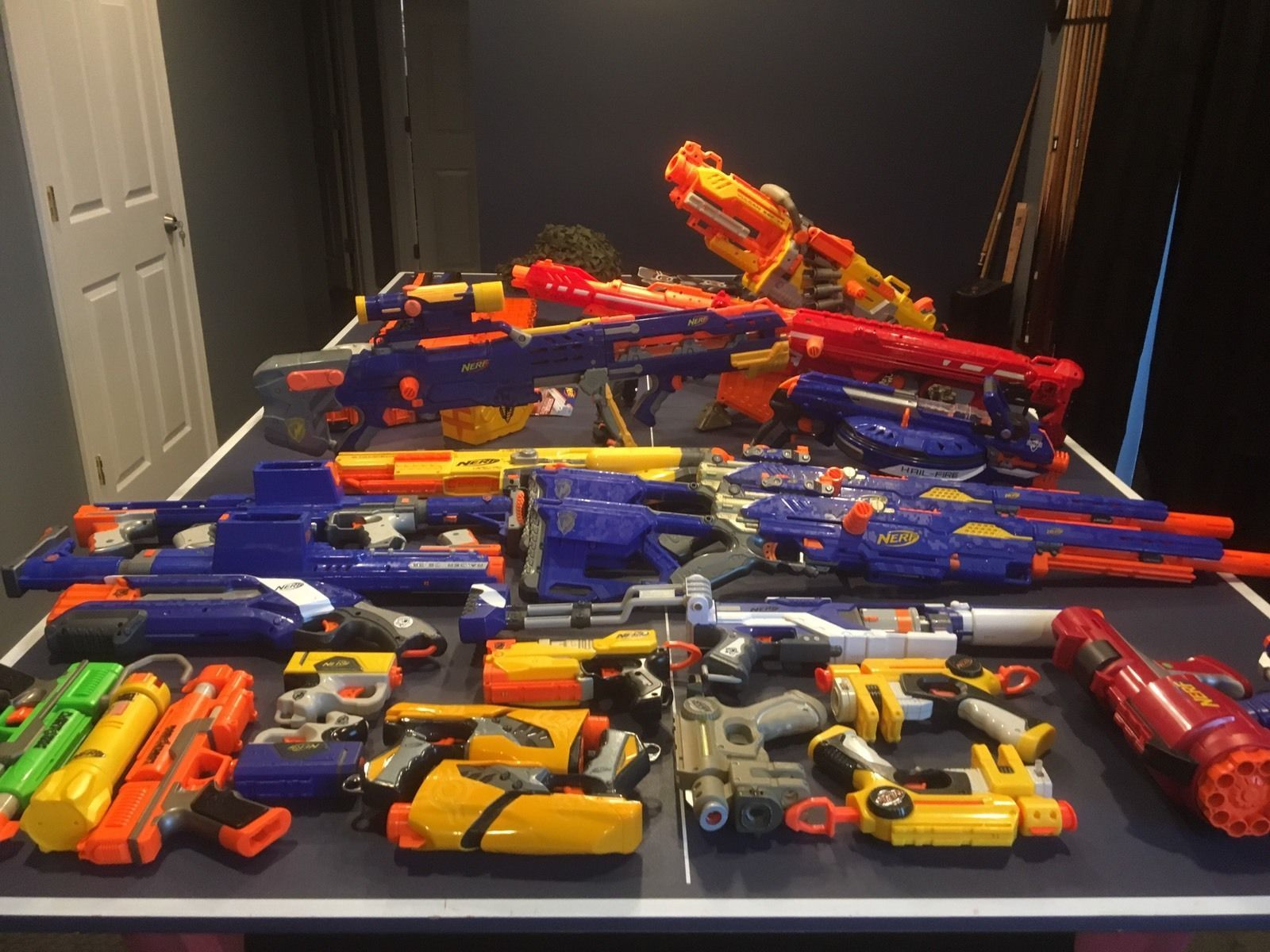 HUGE NERF GUNS LOT Guns Accessories Darts Cs-6 Cs-35 Ebf-25