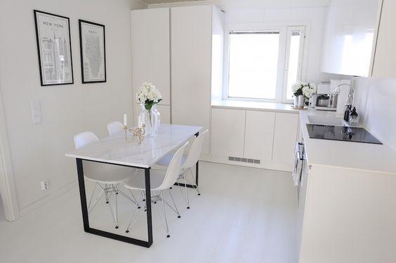 Quick-Step Laminate Flooring - Impressive 'White Planks' (Im1859