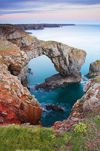 Green Bridge of Wales by Andrew W Davies. It's an amazing spot, near my Welsh home in #Pembrokeshire. #visitwales