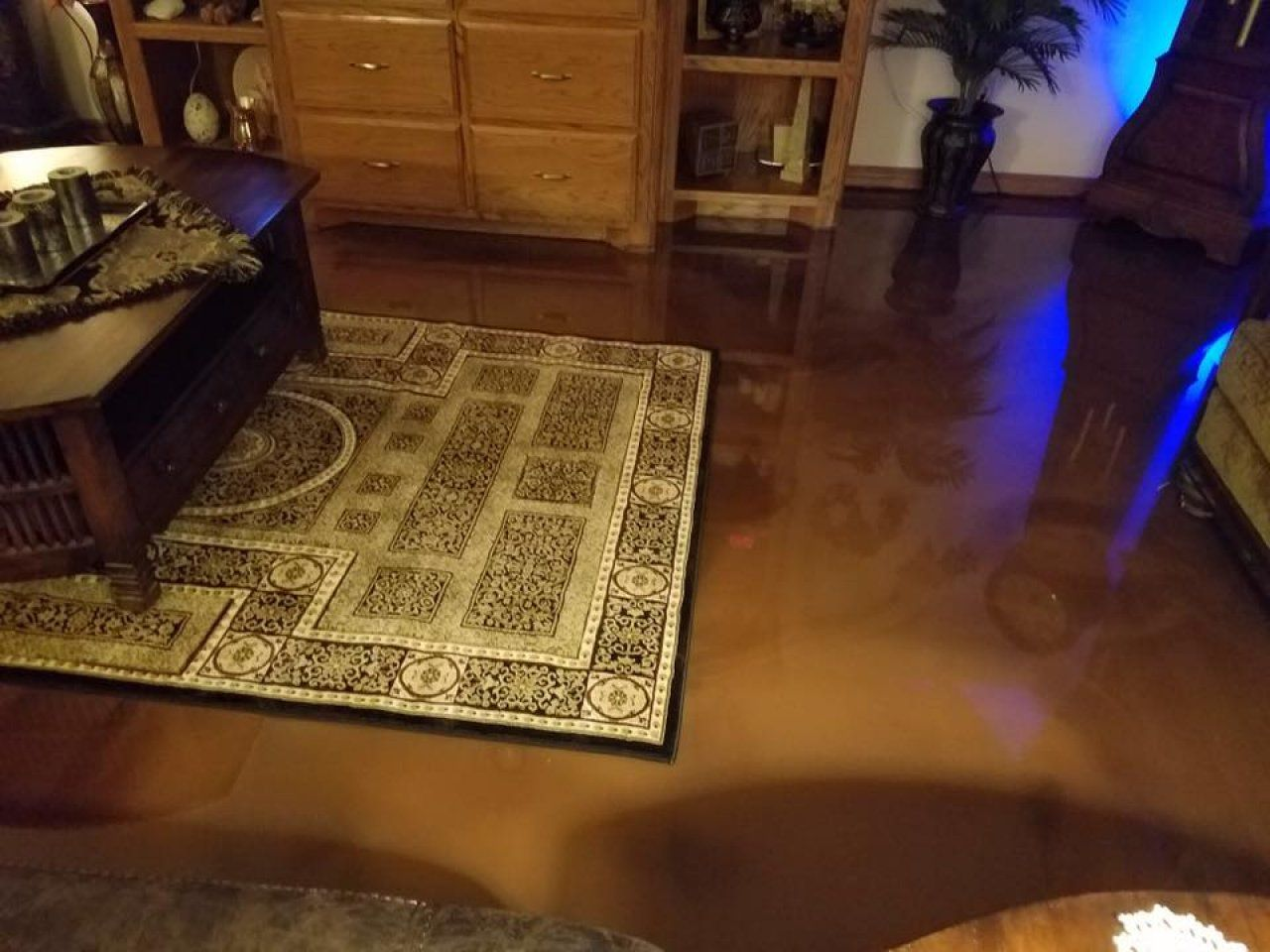 Scratch Resistant Metallic Epoxy In Living Area In Oklahoma City - Flooring contractors okc