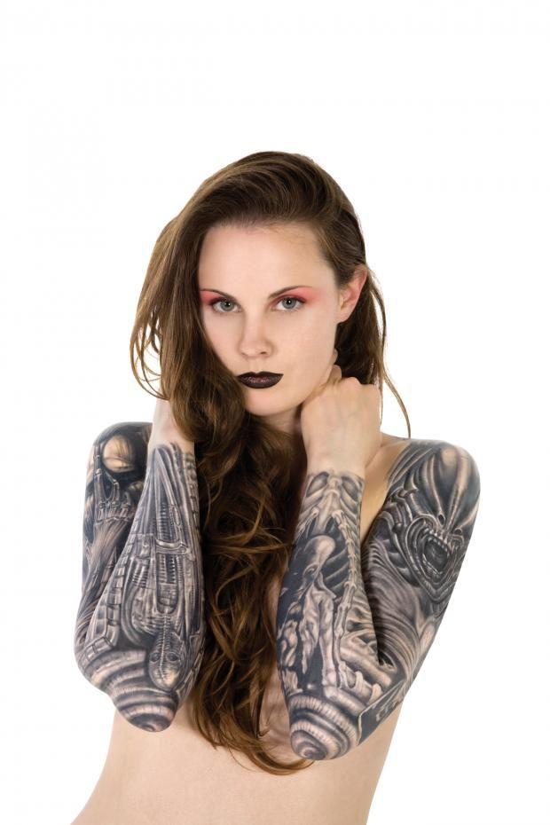 alicia musson hr giger tattoo ideas pinterest arte corporal tatuajes y arte. Black Bedroom Furniture Sets. Home Design Ideas