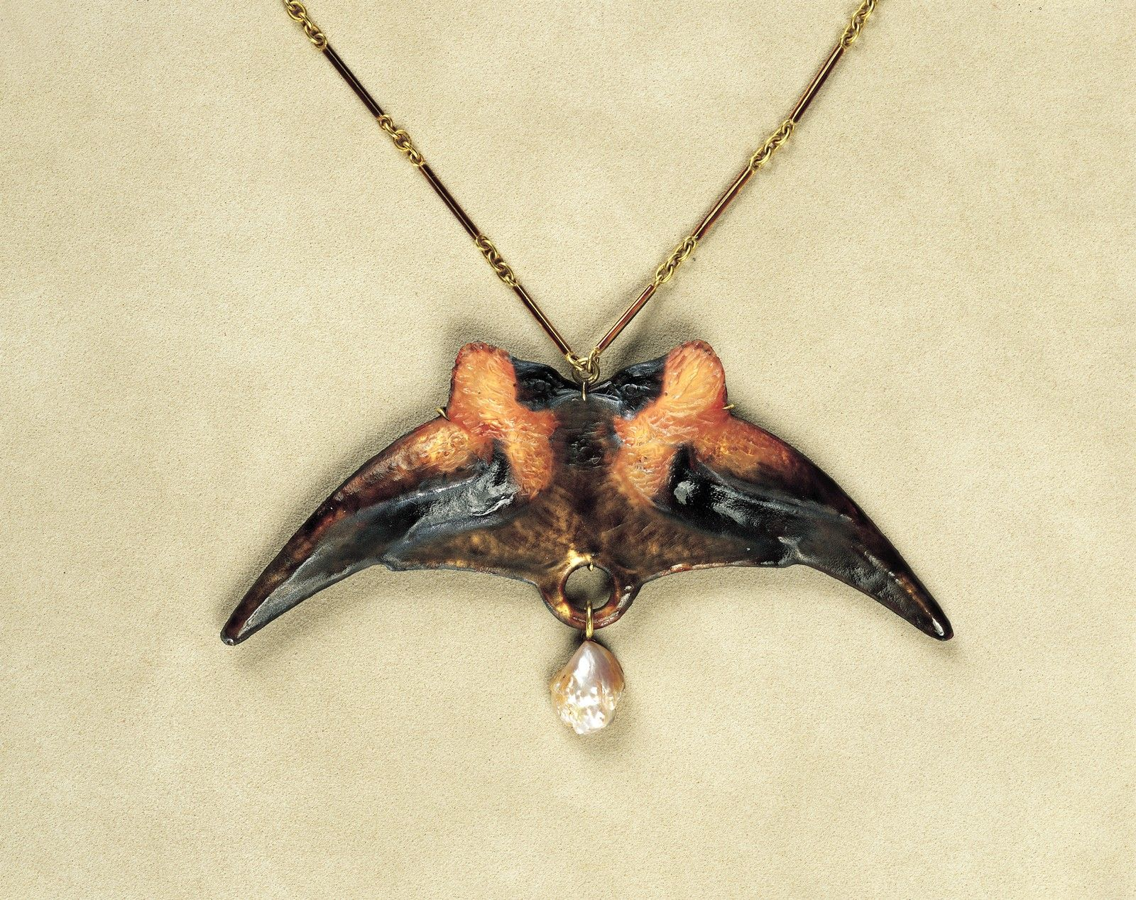 Pendant with Birds | Corning Museum of Glass