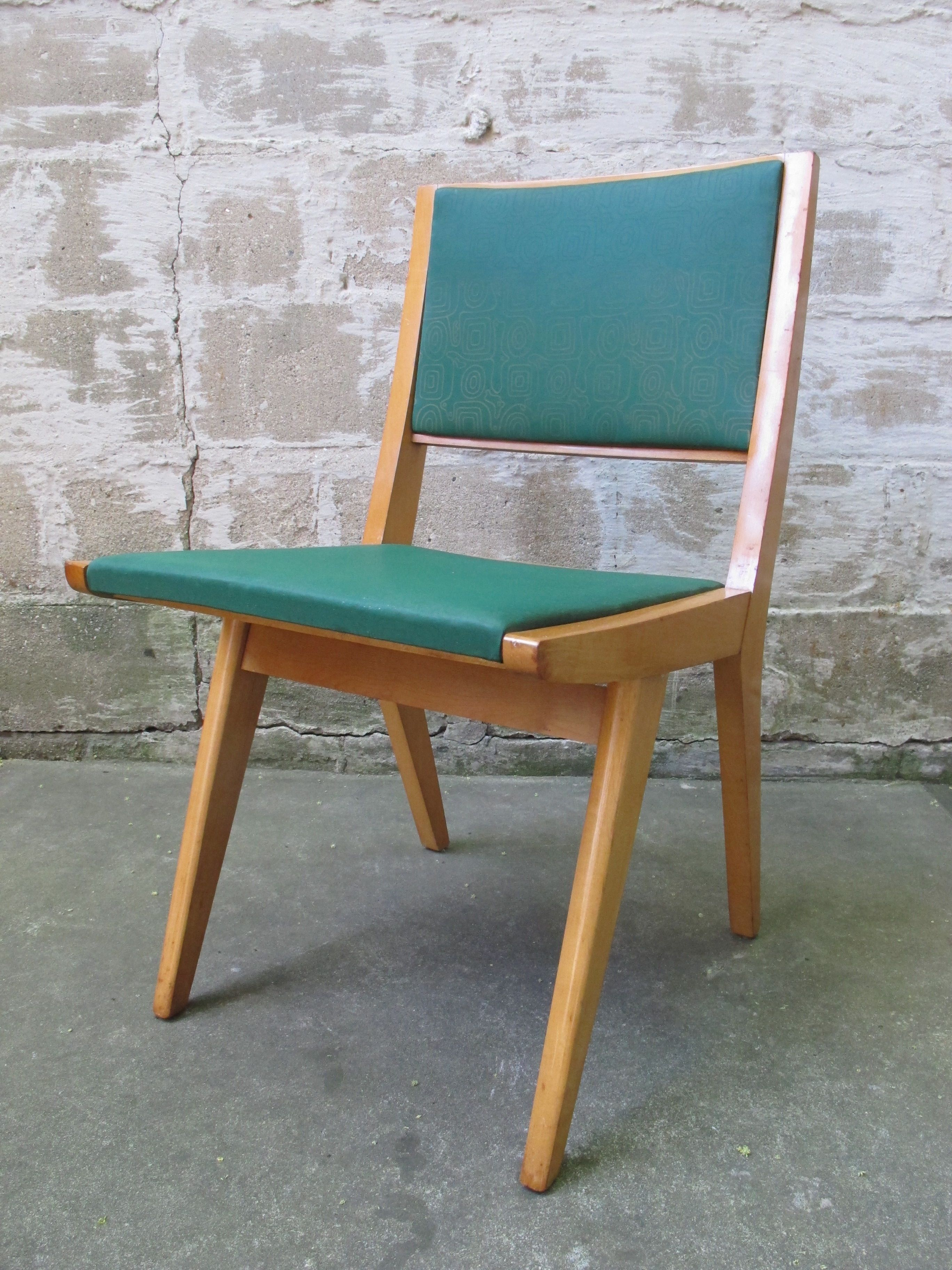 MID CENTURY JENS RISOM STYLE SIDE CHAIR BY DAYSTROM