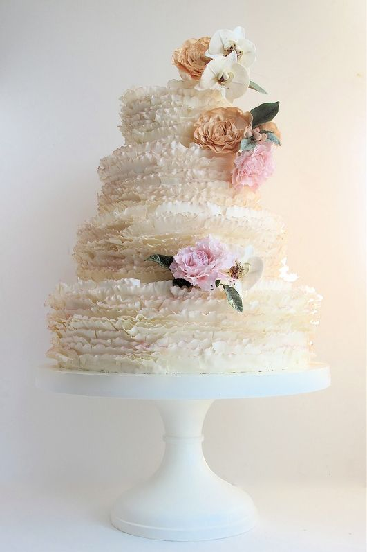 STYLEeGRACE ❤'s this Wedding Cake!