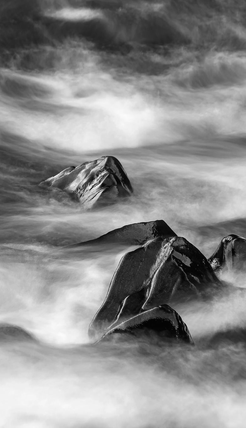 Foggy Mountains - I love the way Black and White Photography brings out textures, patterns and adds a sense of timelessness to pictures like this one. Think about it – a colourless picture can be eternal. And this is just one of the B&W photography tips we share on our website. Give it a look and tell me what you think!