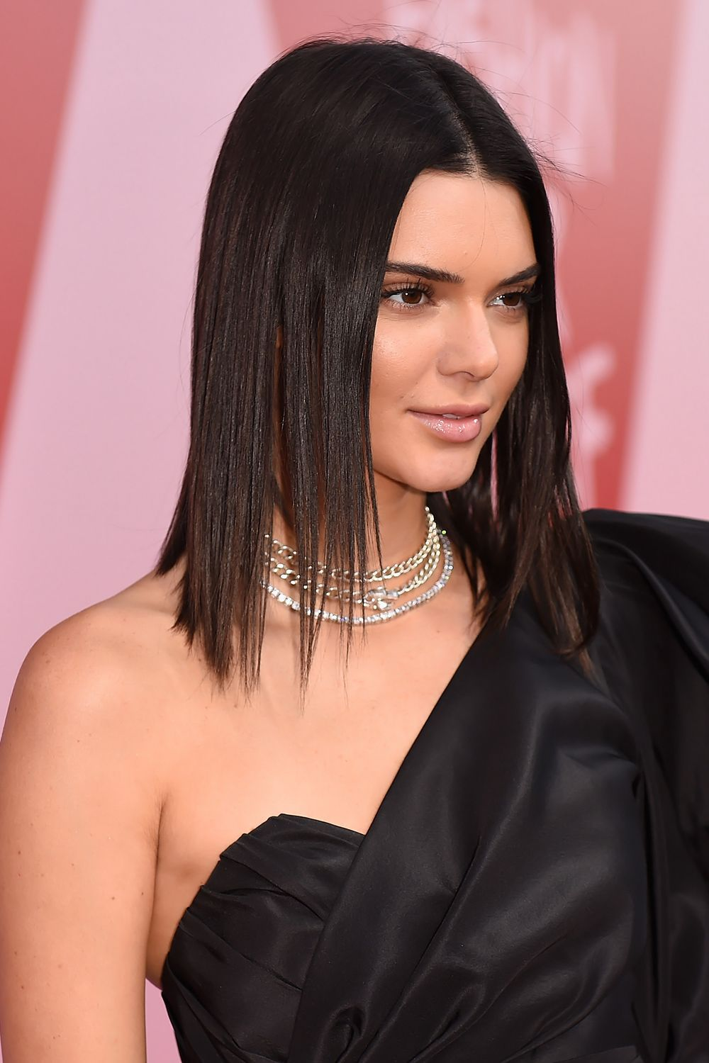 Kendall jenner has gotten into hot water for some of her comments and statements over the years, and fans think she might be the most hated supermodel. Hair Straighteners That Crush It In The Styling Department Kendall Jenner Hair Jenner Hair Kendall Jenner Short Hair