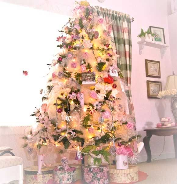 Living Beautifully The Pink, White and Roses Christmas Tree PINKS