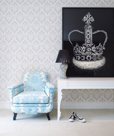 Chair. Gwyneth Paltrow Hamptons House, photo by Eric Cahan    Live a luscious life with LUSCIOUS: www.myLusciousLife.com