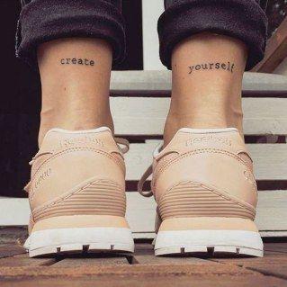 Raus aus den Stiefeln! Wir zeigen euch die schönsten Fuß-Tattoos