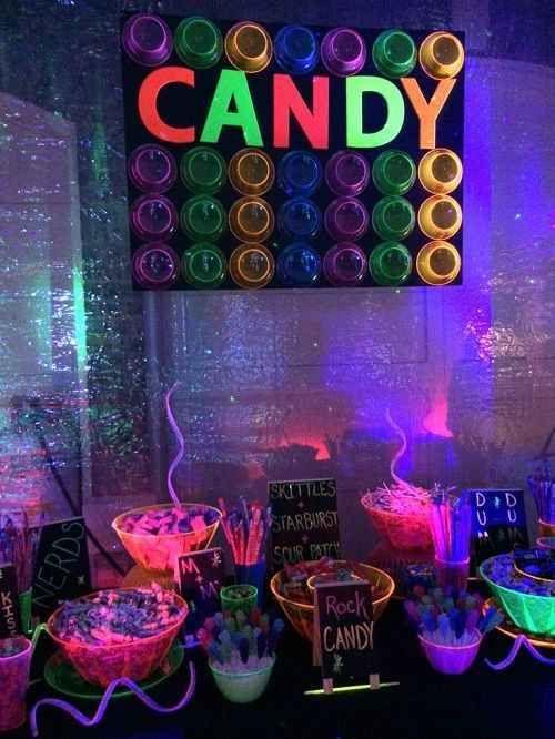 Decoracion de 15 a os en neon 2 fiesta de quince a os for Decoracion casa anos 60