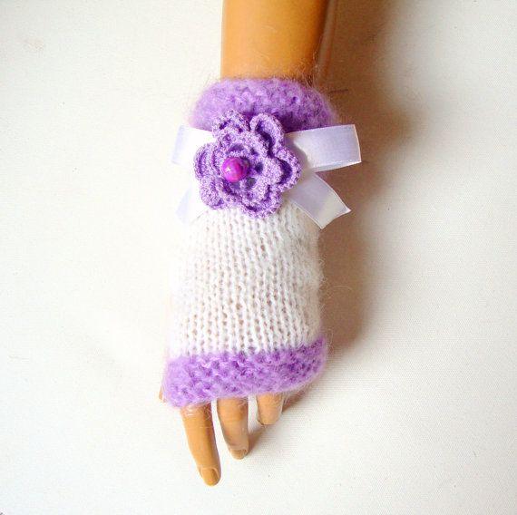 Hand Knit Half Finger White Lavender Gloves  Fingerless by Pasin