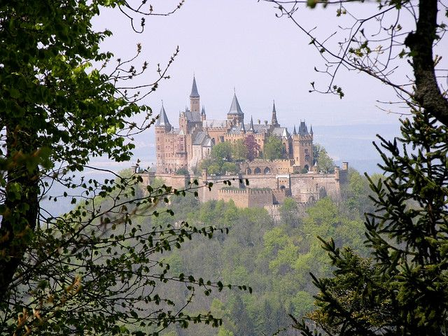 Burg Hohenzollern 3 Approach Beautiful Places To Travel Hohenzollern Castle Places To Go