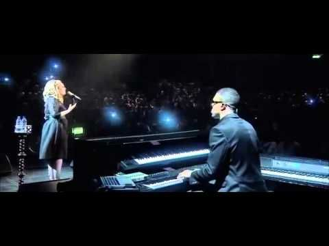 Adele Emotional Cry Someone Like You Live At The Royal Albert