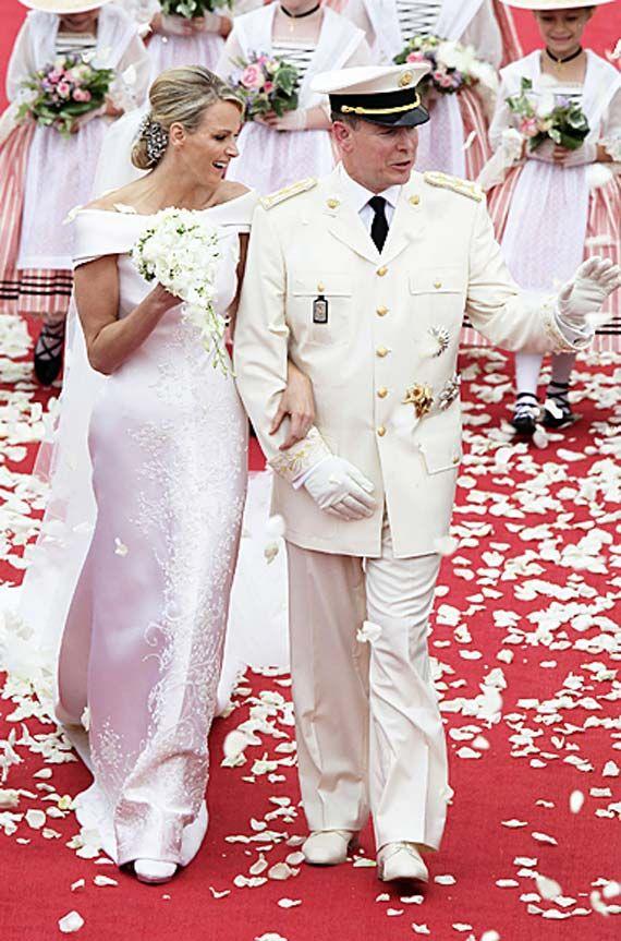 Prince Albert Charlene Wittstock Konigliche Hochzeitskleider Hochzeitsfeier Ideen Royale Hochzeiten