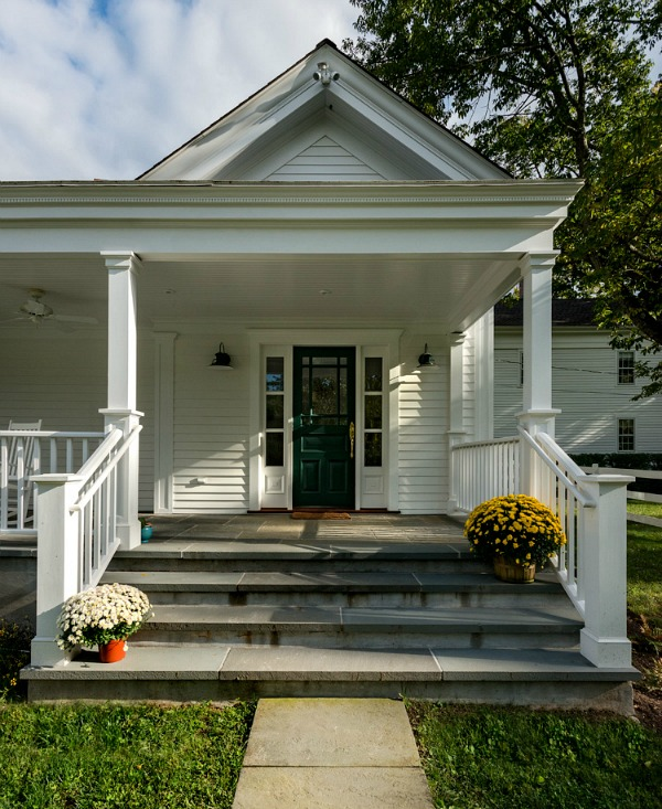 Designing A Small House With A Big Porch Small House Big Porch House With Porch