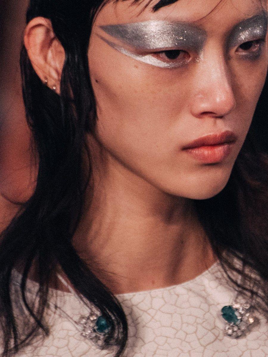 Maison Margiela SS16 | FACED - Scratch-moded | Makeup ...
