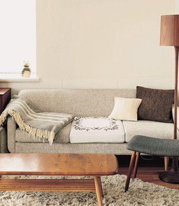 Idee Polasofa イデーポーラソファ 内田彩仍さん愛用のソファ 3人掛けなのにコンパクトな見た目も人気の理由の1つ 座り心地や肌触り 色 すべてが完璧なソファです ナチュラルな雰囲気で素敵ですね ソファ 模様替え インテリアアイデア
