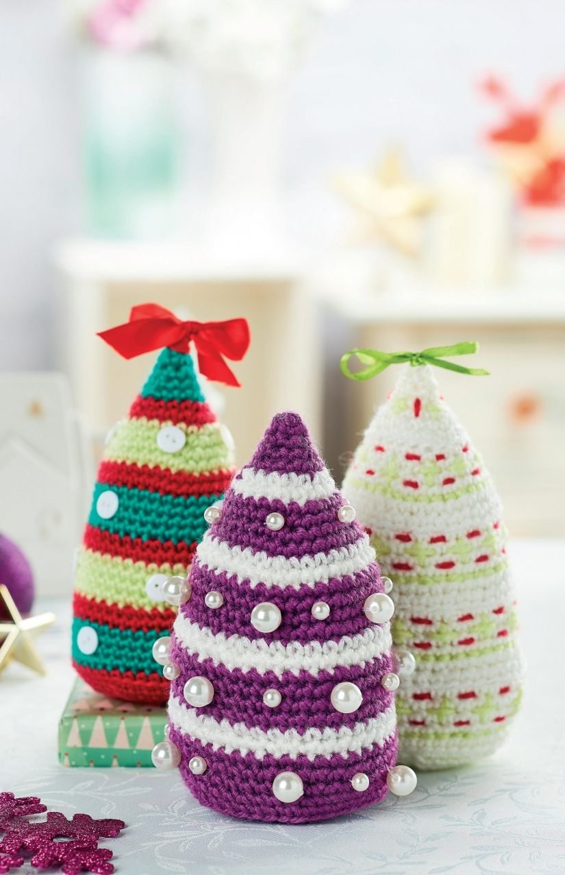 Crochet christmas trees elf on shelf pinterest crochet crochet christmas trees tons of crochet patterns for free bankloansurffo Choice Image