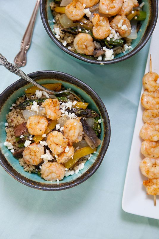 Grilled Shrimp and Veggie Quinoa Bowls with Garlic Mojo #grilledshrimp