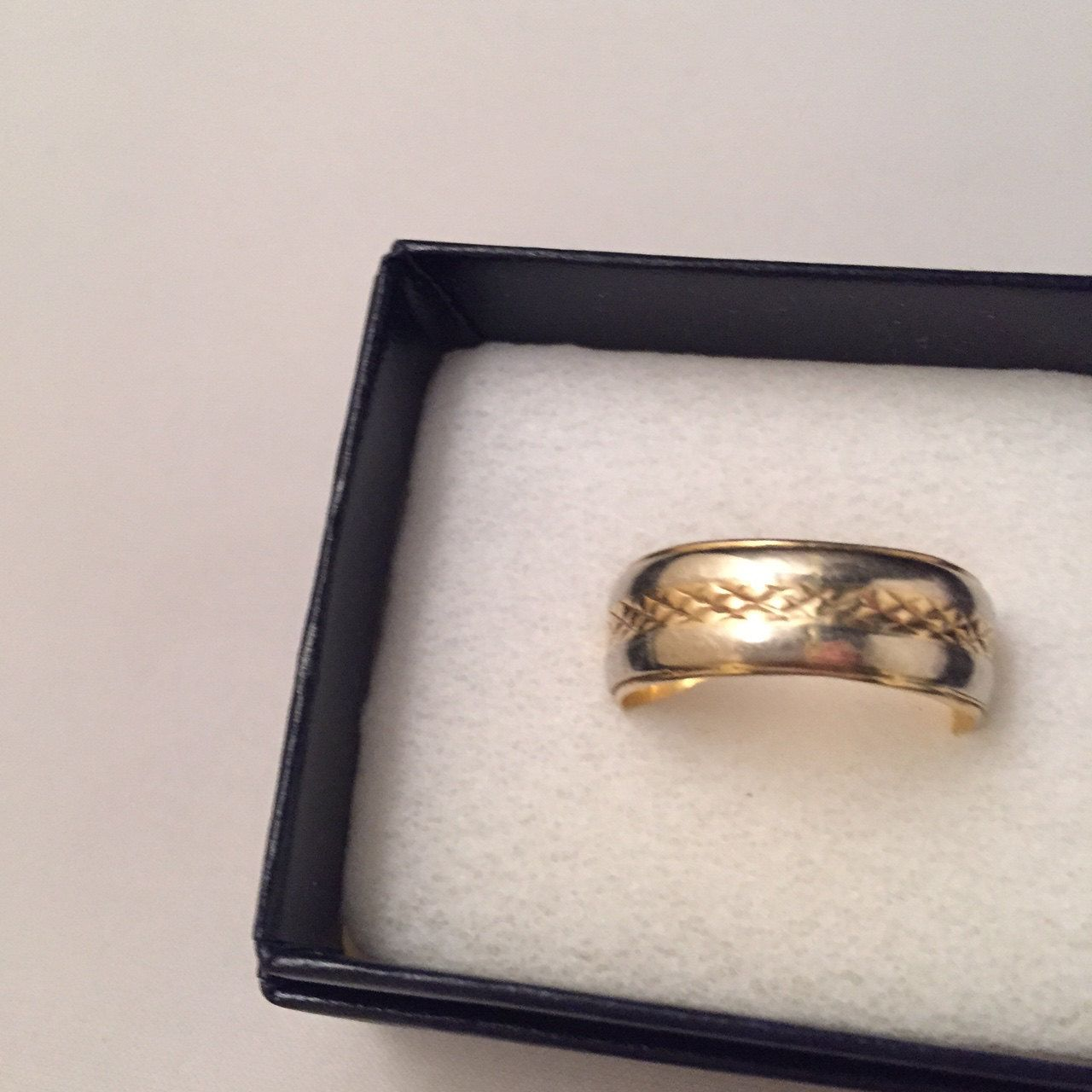 Wedding Band Ring 14 K Vintage Gold Two Tone Ring Signed