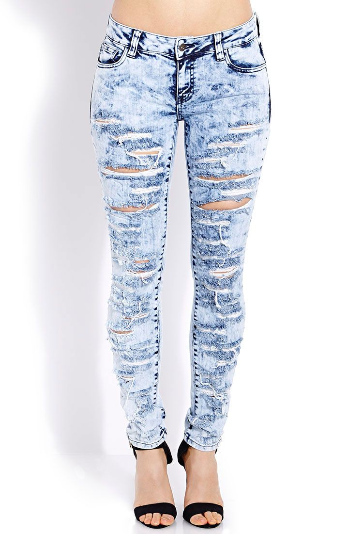 Daring and fashionable - jeans with holes 9