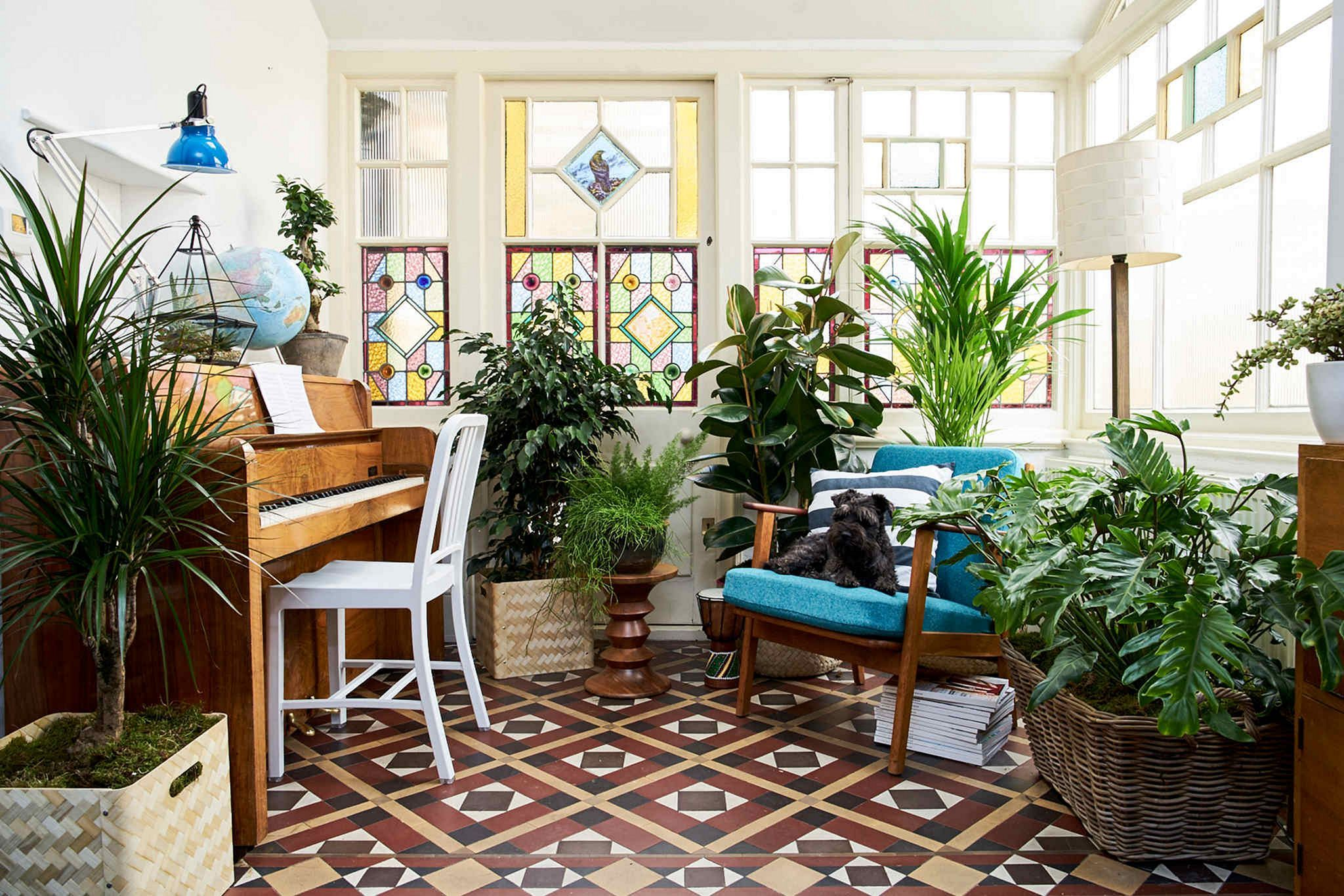 35+ Beautiful Living Room With Decorative Plants You Can to Try is part of Living Room Plants Table - The mood is influenced by the surrounding environment  Experts recommend that all who are regulated in your work environment be
