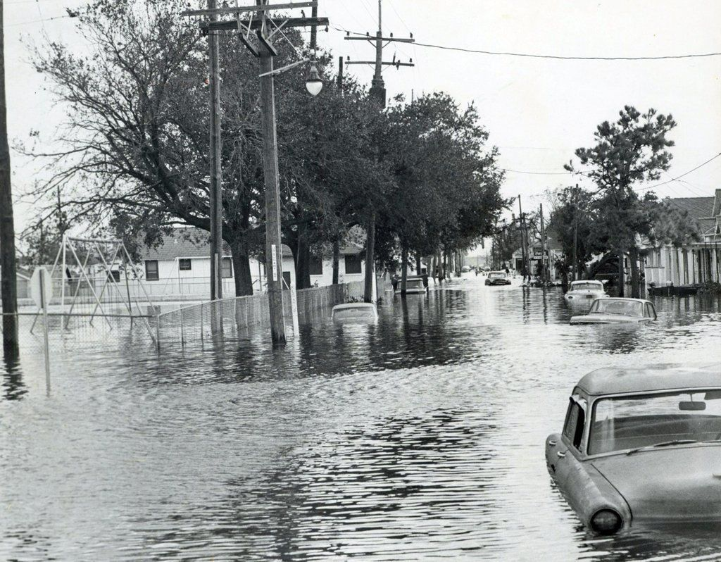 Remembering Hurricane Betsy A New Orleans Nightmare In 2020 Hurricane Betsy New Orleans History New Orleans