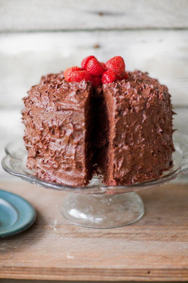 Buttercream chocolate cake recipe:  Photography: Jordan Brittley - http://jordanbrittley.com/
