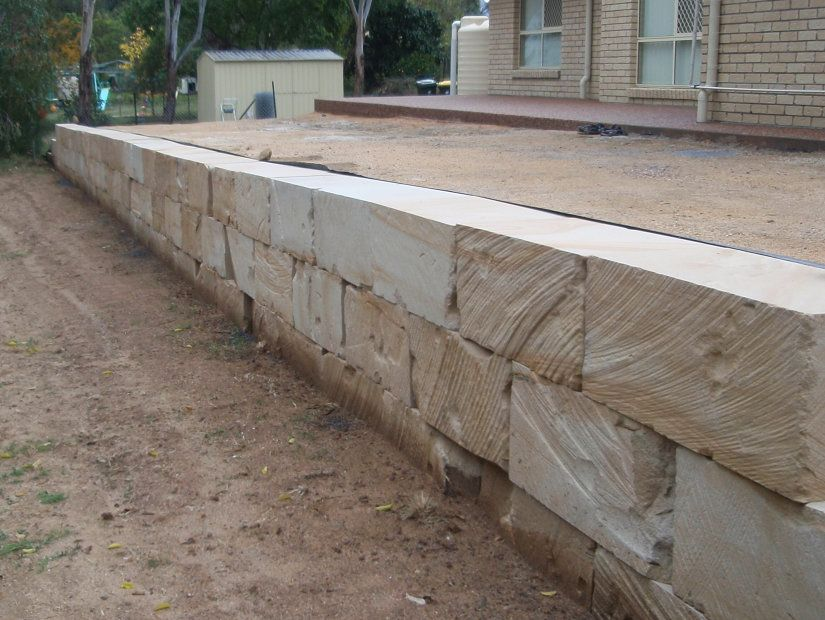 diamond cut sandstone retaining wall landscape blocks