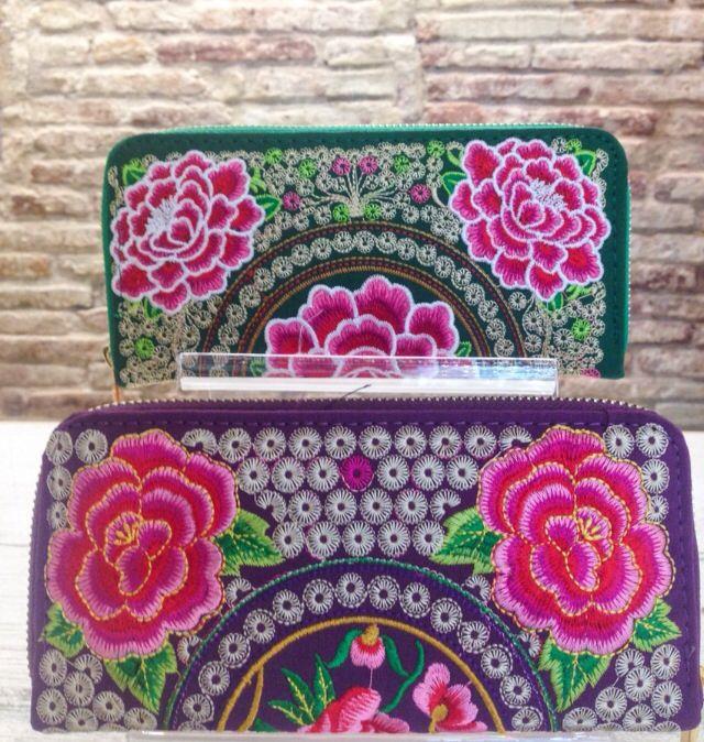 Bolso de mano - handbag - handbags - shopping - barcelona - flowers - fashiontrends - accesorios - ropa - outfit - raval - tienda de ropa