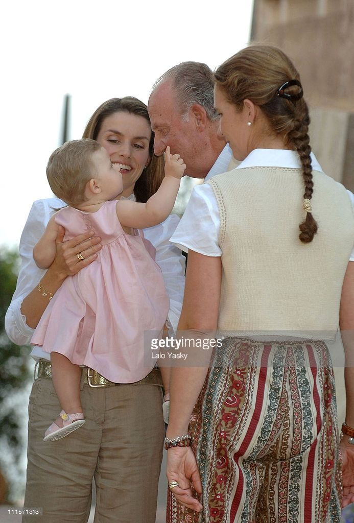 letizia summer 2006 | Royal Family Photo Session in Mallorca, Spain - August 8, 2006 | Getty ...