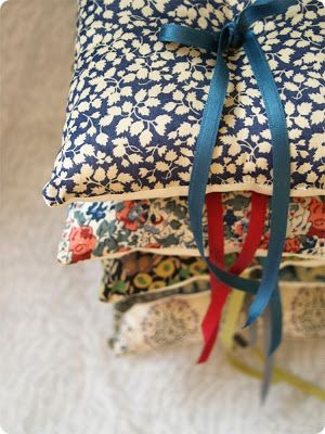junkaholique: wedding ring cushions