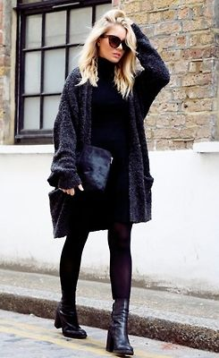 fausses-apparences:  eleven-three:  —-  Message me if you have a fashion blog!! Need more blogs to follow xx