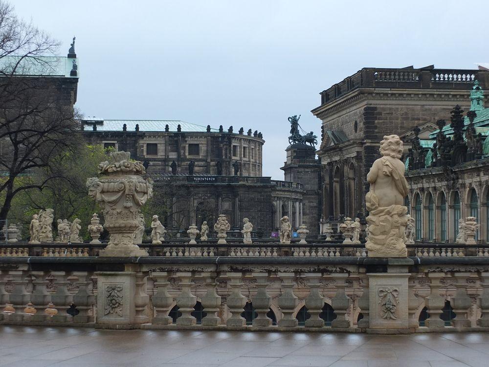 Statuen Dresden Zwinger Von Tipa194 Deutschland Burgen Dresden Europa