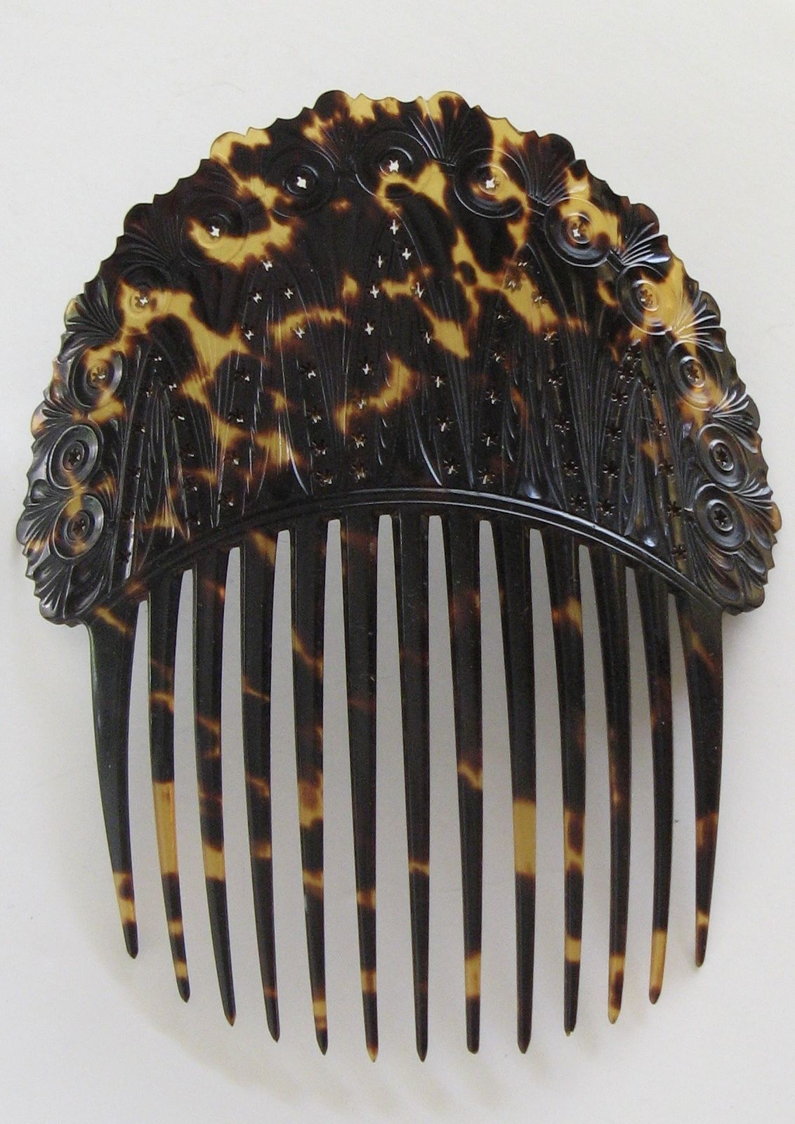 very old. Beautiful Vintage Faux tortoise shell Scalloped hair comb or pick