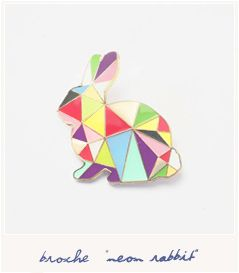 Broche animal - petit lapin - motifs triangles - couleurs pastel