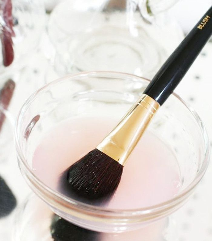 Photo of We Put 3 Popular DIY Makeup Brush Cleaners to the Test