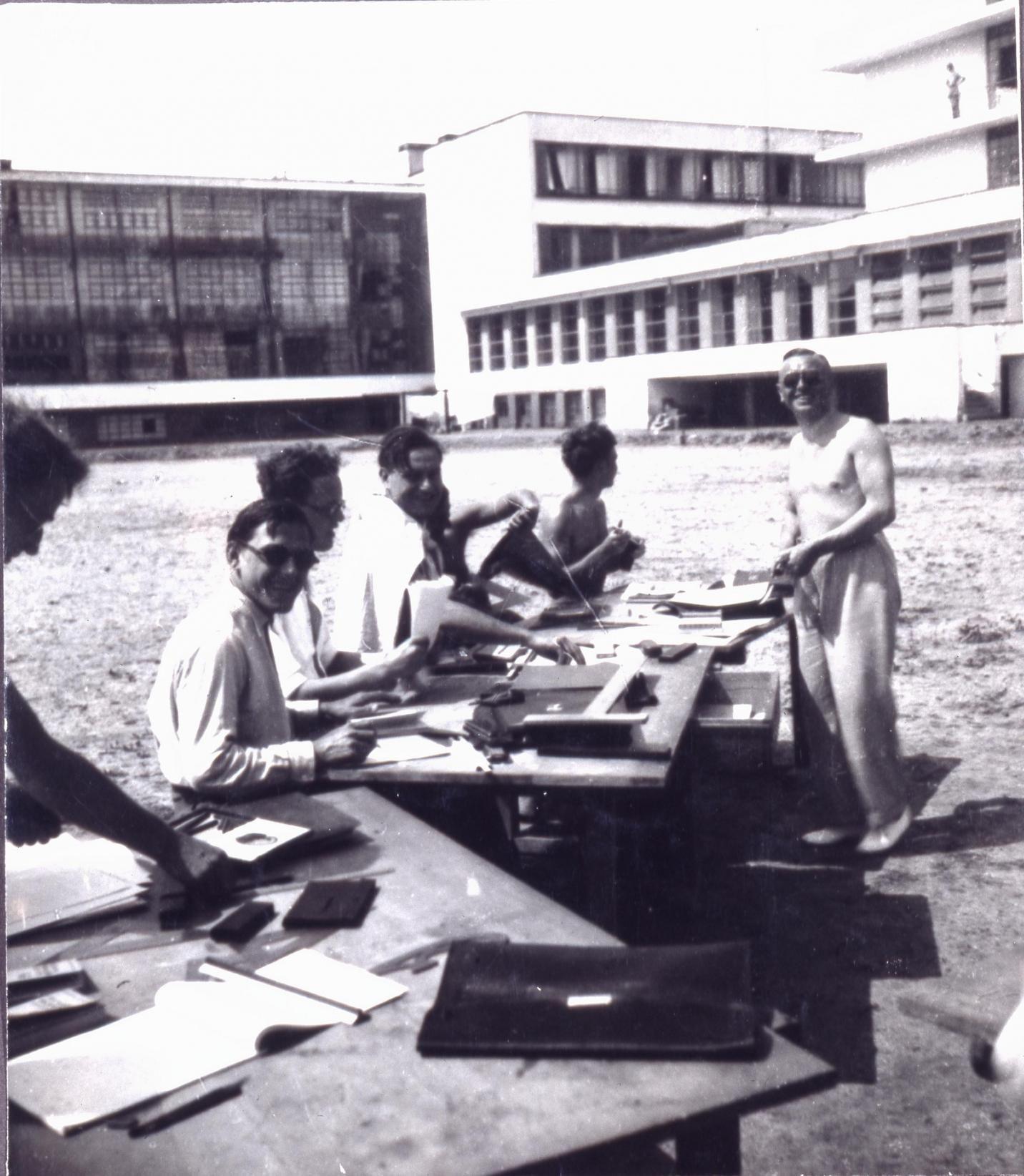 Bauhaus Baumarkt Dessau bauhaus dessau 1932 unterricht der bauabteilung mit studenten vor