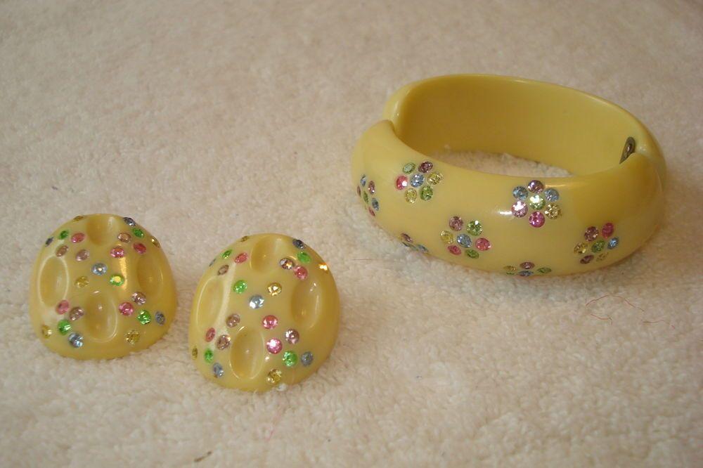 Early RARE Weiss Bakelite Clamper Bracelet & Matching Carved Earrings