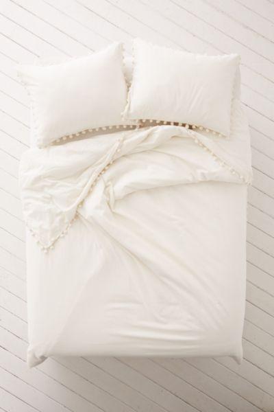 Magical Thinking Pom Fringe Duvet Cover In 2020 Duvet Covers Urban Outfitters Duvet Covers White Duvet