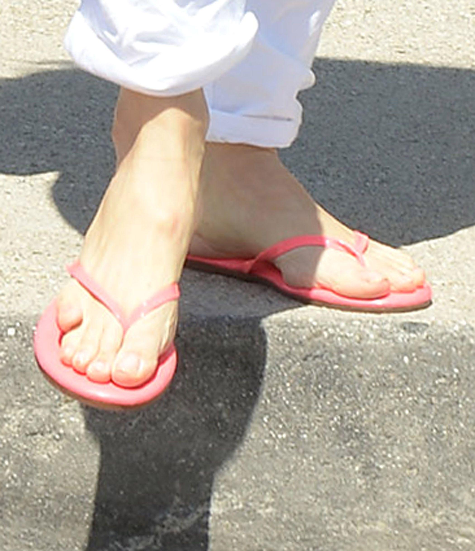 Pin By Jim Cecil On Jennifer Garner Jennifer Garner Feet