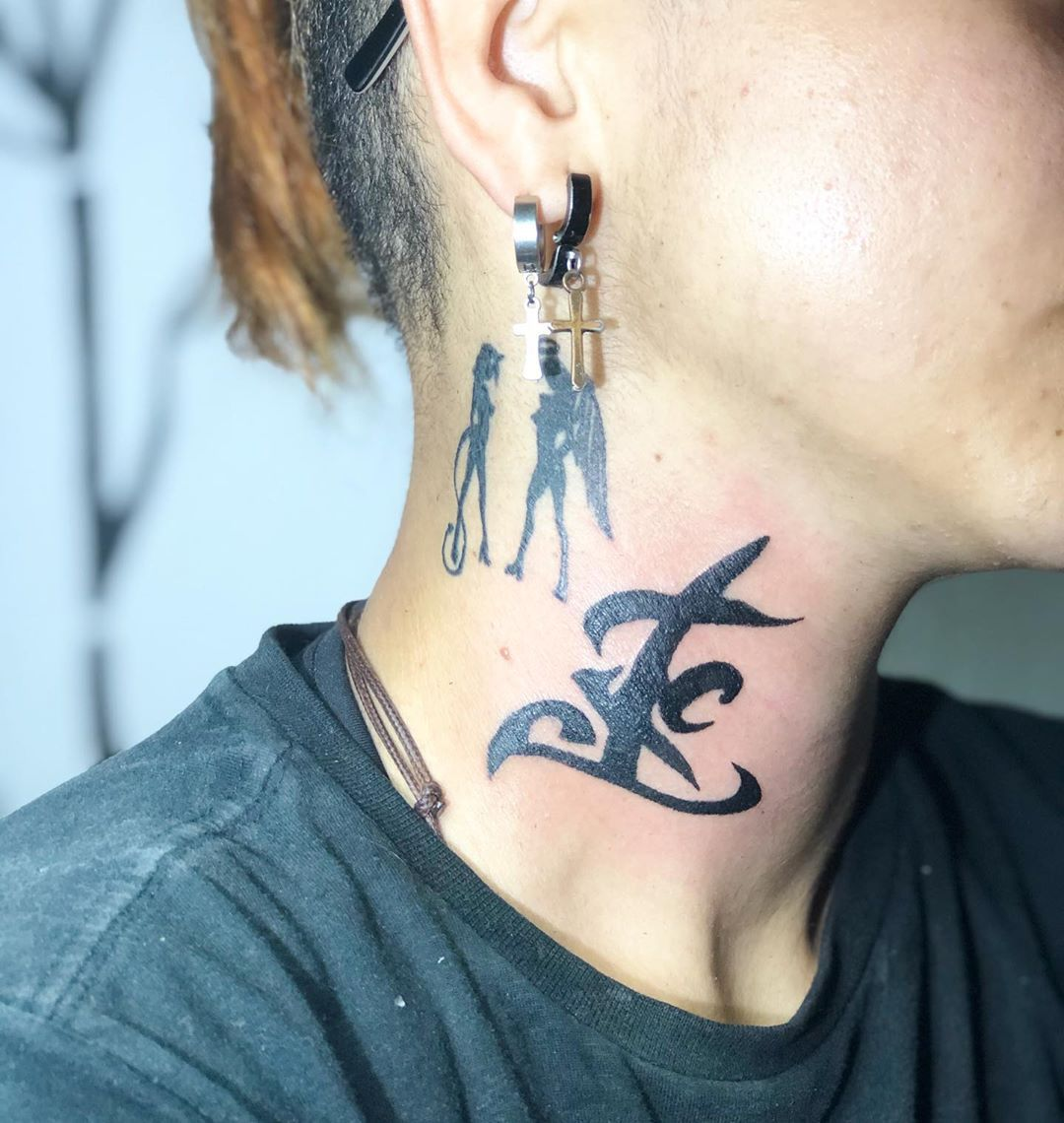 Runa da resistência  Seriado : Shadowhunters  @domshewrood @kat.mcnamara ❤️ #shadowhunters #tattoo2me #tattooartist #tattoostyle #tattooart #tatuagem #tattoobuzios #buziostattoo #tattoolifestyle #tatuagembrasil #shadowhunterstattoo #runatattoo.