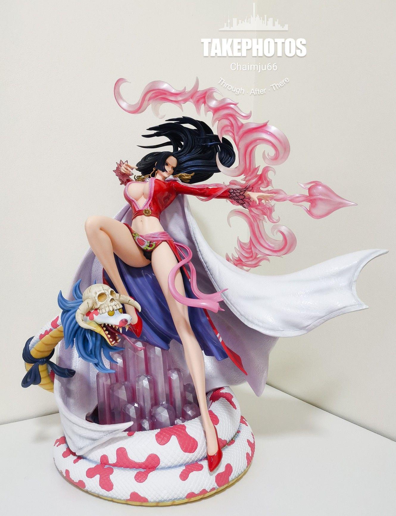 21+ Megahouse Nami Figure