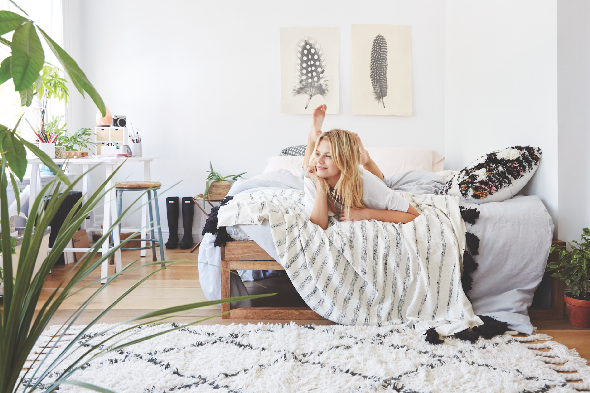 Uooncampus pin off win a uo room makeover